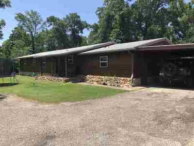 Gilmer Single Family Home For Sale: 7056 Arrowwood