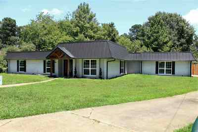 Kilgore Single Family Home For Sale: 3405 Rockbrook Dr.