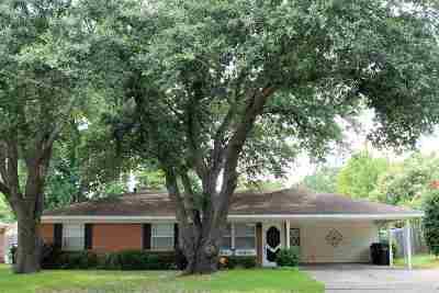 Longview Single Family Home For Sale: 801 Melinda Lane