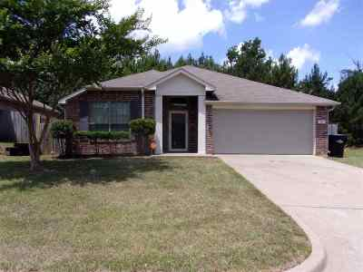 Longview TX Single Family Home For Sale: $179,000