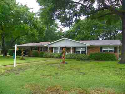 White Oak Single Family Home Active, Option Period: 1401 N Whatley