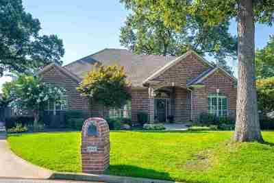 Single Family Home Active, Cont Upon Loan Ap: 1602 Colonial