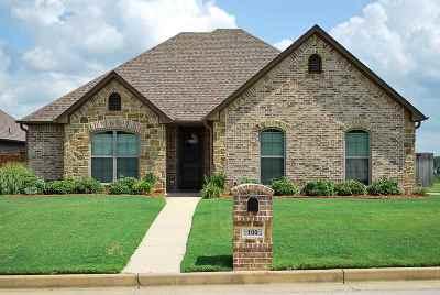Hallsville Single Family Home For Sale: 100 Fredricksburg Circle