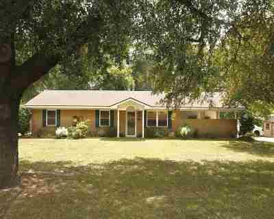 Longview TX Single Family Home For Sale: $145,000
