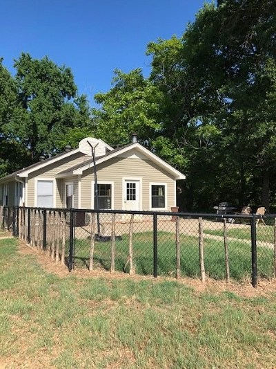 White Oak Single Family Home Active, Option Period: 727 Duncan Rd.