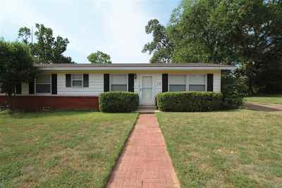 Gladewater TX Single Family Home For Sale: $138,900