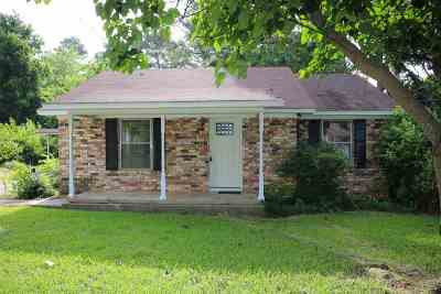 Gladewater TX Single Family Home For Sale: $122,000