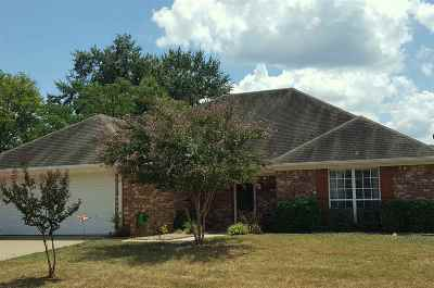 Gladewater TX Single Family Home For Sale: $185,000