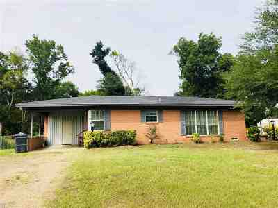 Gilmer Single Family Home For Sale: 1906 N Fm 2088