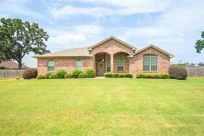 Kilgore Single Family Home For Sale: 3409 Woodview