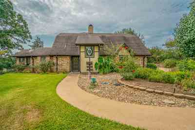Gladewater Single Family Home For Sale: 23694 Country Club Road