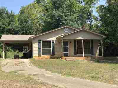 Gladewater TX Single Family Home For Sale: $79,900