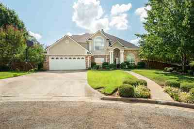 Longview Single Family Home For Sale: 105 Brookside Circle