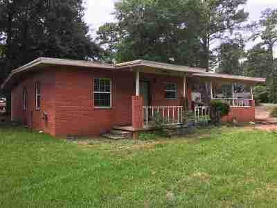 Kilgore Single Family Home For Sale: 273 Dogwood St