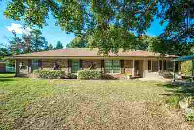 Kilgore Single Family Home For Sale: 136 Fawn Creek Road