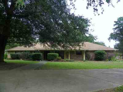 Gladewater TX Single Family Home Active, Option Period: $209,900