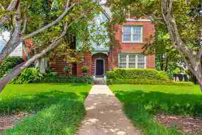 Single Family Home For Sale: 809 N Seventh Street