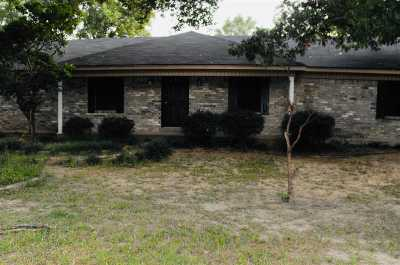 Longview Single Family Home For Sale: 1149 Garden Drive