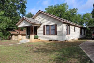 Gladewater TX Single Family Home Active, Option Period: $85,000