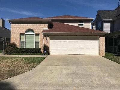 Single Family Home For Sale: 27 Oak Creek Ridge Drive