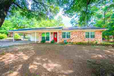 Gilmer Single Family Home For Sale: 1415 Frost St