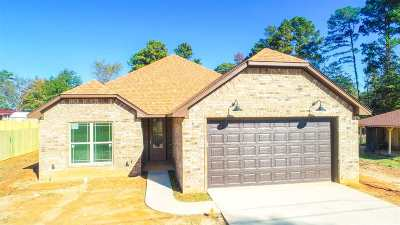 Gladewater TX Single Family Home For Sale: $202,999