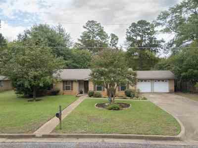 Longview TX Single Family Home For Sale: $159,950