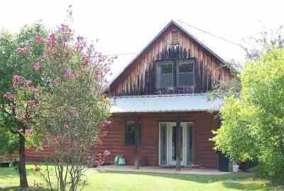 Gilmer Single Family Home For Sale: 8600 Hyena Rd