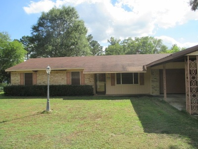 Longview TX Single Family Home For Sale: $125,000