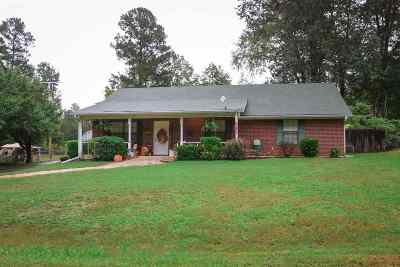 Diana Single Family Home Active, Option Period: 1613 Bentley Rd