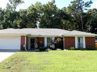 White Oak Single Family Home Active, Cont Upon Loan Ap: 1313 N Creek Bend St.