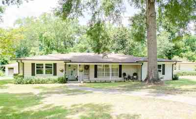 Kilgore Single Family Home For Sale: 215 Horseshoe