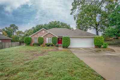 White Oak Single Family Home For Sale: 505 E Ridgecrest St