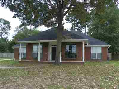 Hallsville Single Family Home For Sale: 609 Cal Young