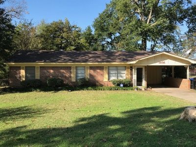 Longview TX Single Family Home For Sale: $105,000
