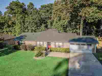 White Oak Single Family Home For Sale: 1310 Creekbend