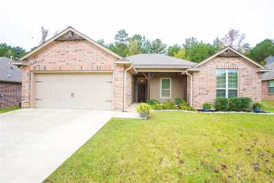 Hallsville Single Family Home For Sale: 143 Labrador Ln