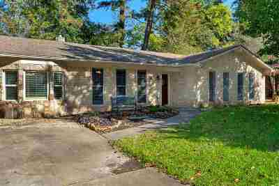 Longview Single Family Home For Sale: 911 Coushatta Trl
