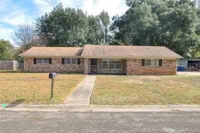 Kilgore Single Family Home For Sale: 3412 Pinecrest