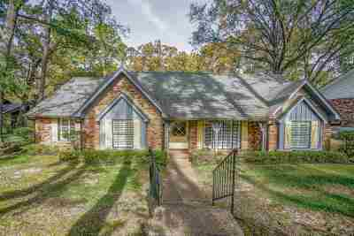 Single Family Home For Sale: 1009 Coleman