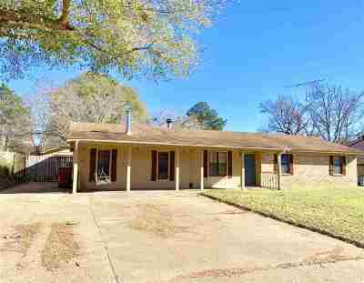 Hallsville Single Family Home Active, Cont Upon Loan Ap: 315 Dalee