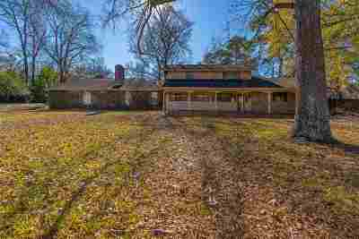 Kilgore Single Family Home For Sale: 902 Woodlawn