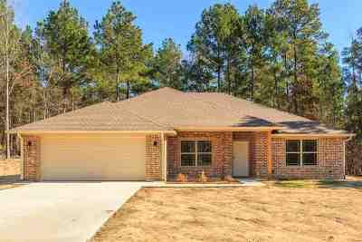 Kilgore Single Family Home For Sale: 425 Memory Lane