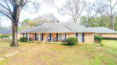 Gilmer Single Family Home For Sale: 1800 Greenway
