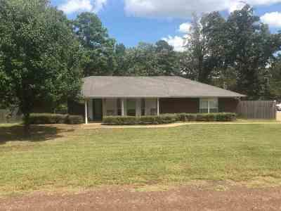 Longview Single Family Home For Sale: 3100 E Carrie Lane