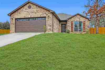 Gilmer Single Family Home For Sale: 6315 Lakewood Dr.