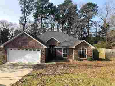 Marshall Single Family Home Active, Cont Upon Loan Ap: 203 Town Oaks Dr