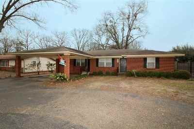 Longview Single Family Home For Sale: 2407 E George Richey