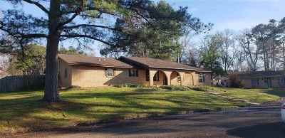 Gladewater TX Single Family Home For Sale: $189,500