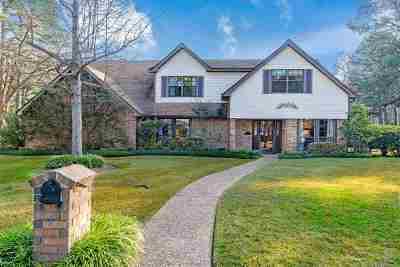 Single Family Home For Sale: 4 Wildwood Ct